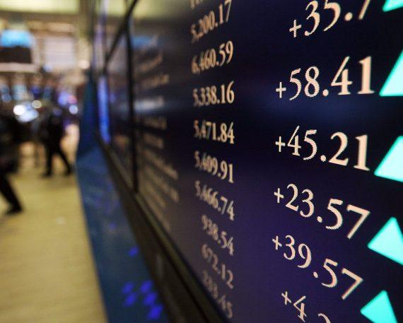 Stabilare oljepriser ger uppgångar på Asienbörserna